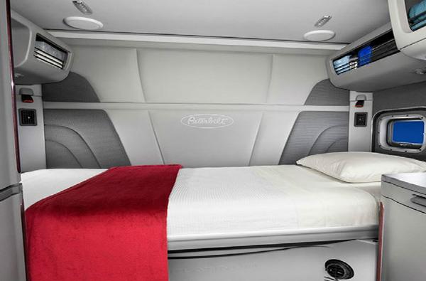truck sleeping compartment REC
